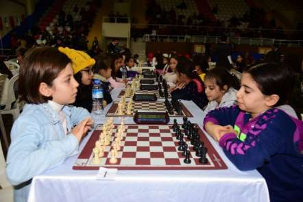 7 Ocak Kurtuluş Kupası Satranç Turnuvası Başladı