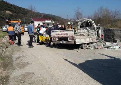 Kamyonet kaza yaptı: 1 yaralı