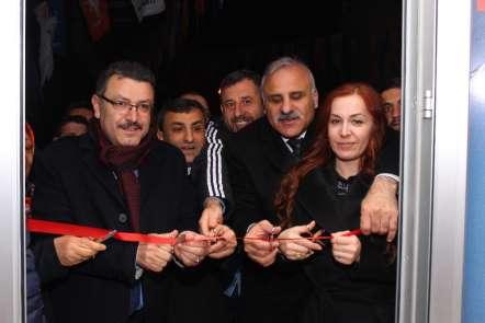 Zorluoğlu Cumhuriyet mahallesini gezdi, esnafın sorunlarını dinledi