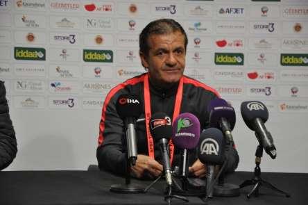 Afyonspor'un antrenörü Cevdet Göç, son düdüğe kadar aynı inançla savaşacaklarını
