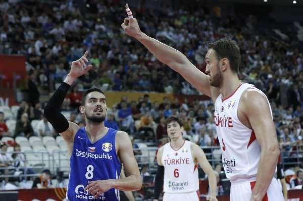 A Milli Basketbol Takımı, Dünya Kupası E Grubu 3. maçında Çekya'ya 91-76 mağlup