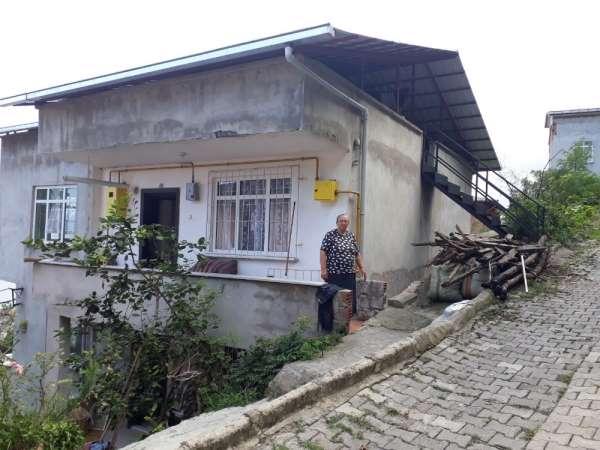 Yıldırım sonucu yanan çatı katı, kaymakamlık tarafından onarıldı