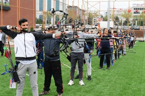 Şanlıurfada ata sporu okçuluk turnuvası