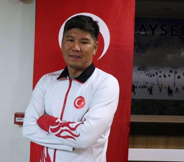Kairat Baigudinov: 'Olimpiyatlara 2 sporcu göndermek istiyoruz'