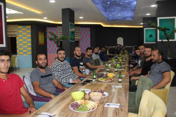 Solhanspor yeni oyuncularını tanıttı