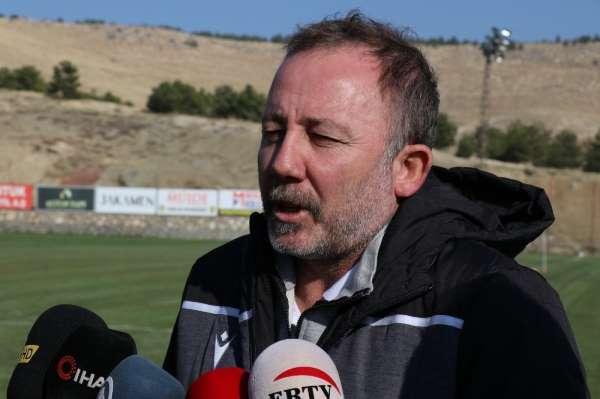 Sergen Yalçın: 'Çok agresif bir teknik direktör değilim'