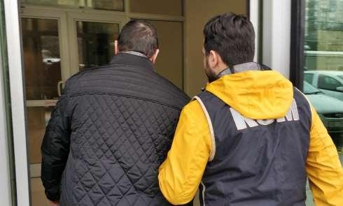 FETÖ'den aranan öğretmene ek gözaltı kararı