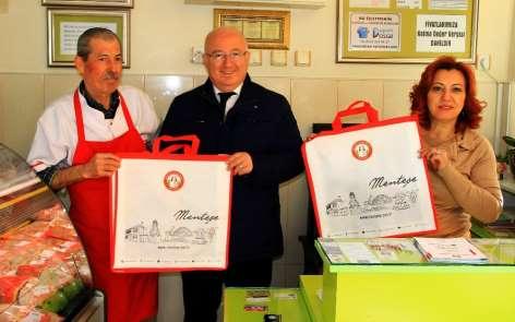 Menteşe Belediyesinden 'Çevre Dostu Bez Çanta' dağıtımı