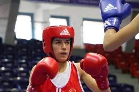 Malatyalı kadın boksörler derece yaptılar