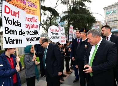 'Öncelik Hayatın, Öncelik Yayanın' sloganı ile Trabzon'da sokağa çıktılar