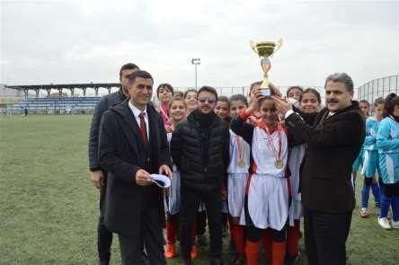 Okullar arası futbolda şampiyonlar belli oldu