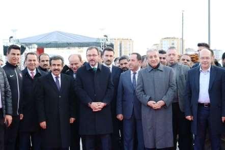 Bakan Kasapoğlu Diyarbakır'da sporcularla buluştu