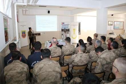 Jandarmaya kadın erkek eşitliği semineri