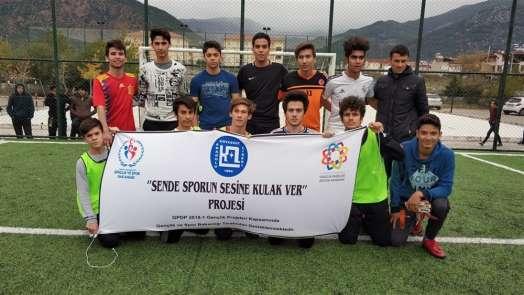 Köyceğiz Anadolu Lisesi sporun sesine kulak verdi