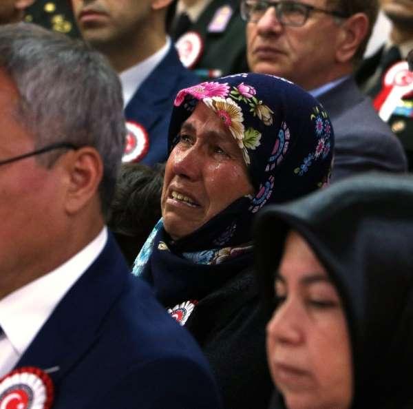 Manisa'da şehit ailelerine 'Devlet Övünç Madalyası'