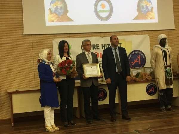 Kumluca Anadolu Lisesi'ne Çevre Hizmet Ödülü