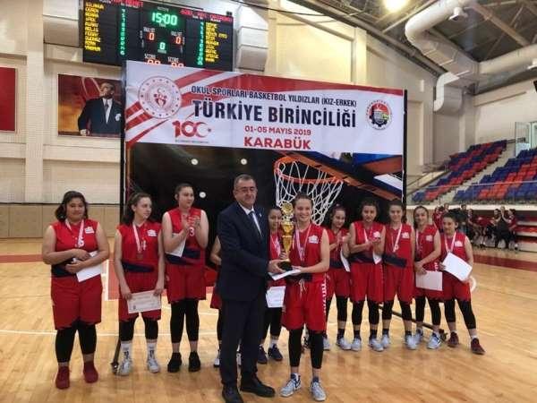 Basketbolda Türkiye üçüncüsü oldular