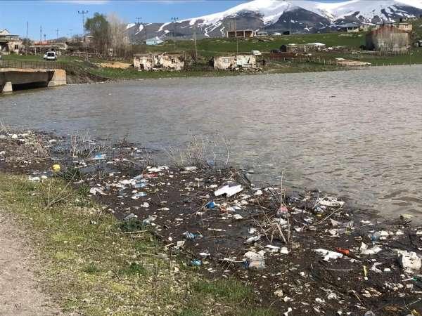 Alparslan-1 Barajında çevre kirliliği