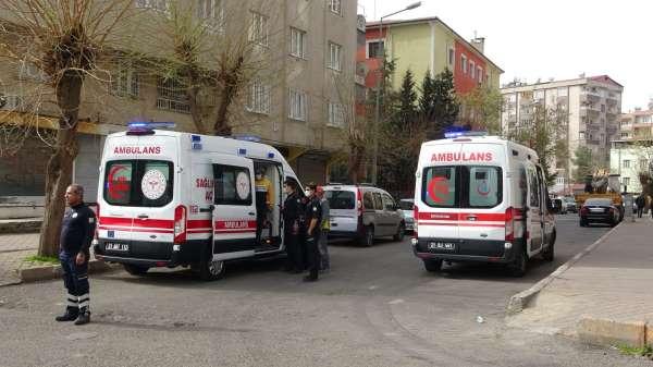 Diyarbakırda trafik kazası: 2si çocuk 4 yaralı