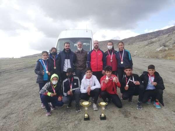 Van Büyükşehir Belediyesi atletleri yarı finalde