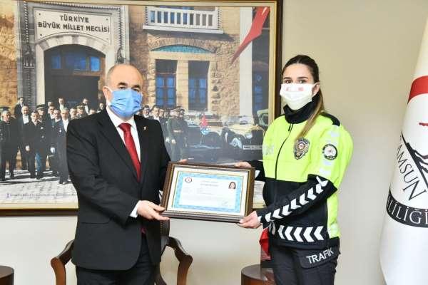 Vali Dağlıdan polis ve jandarma personeline başarı belgesi
