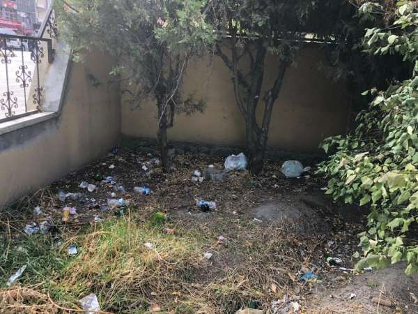 Kağızman'da şehitlerin adı verilen parkın durumu içler acısı