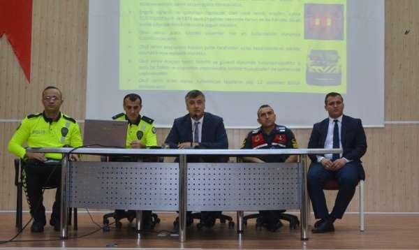 'Okul Servis Sürücüsü Bilgilendirme Toplantısı' yapıldı