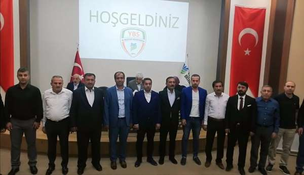 Yeşilyurt Belediyespor'da Başkan Tahsin Yılmaz, hoca Mehmet Ak oldu