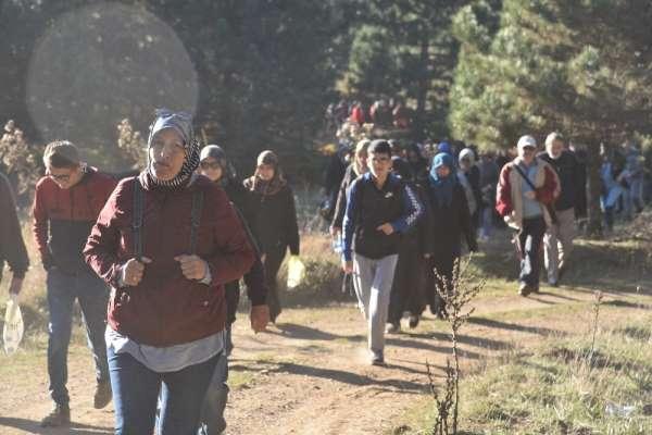 Dursunbey'de doğa yürüyüşlerine yoğun ilgi