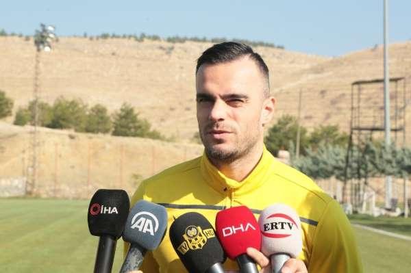 Erkan Kaş'tan şampiyonluk mesajı