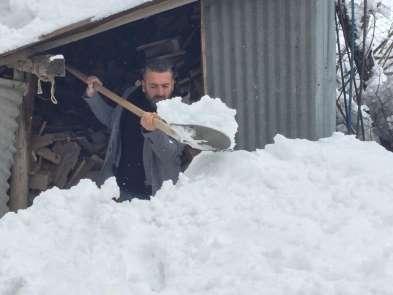 Bingöl'de yoğun kar yağışı ilçelerde etkili oldu
