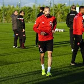 (Özel haber) Ahmet İlhan Özek: 'Keşke zamanında Rizespor'a gitmeseydim'