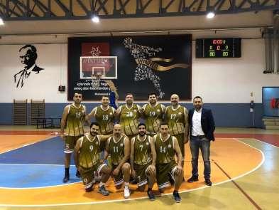 Mersin Barosu Basketbol Takımında kupa sevinci
