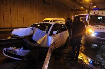 (Özel) Çağlayan Tünelinde meydana gelen kazada bir sürücü yaralandı