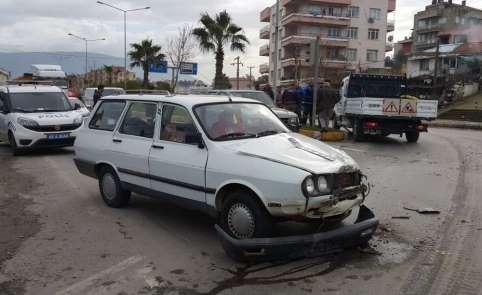 Milas'ta ışık ihlali yapan otomobil kaza yaptı; 1 yaralı