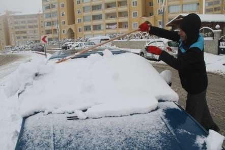 Elazığ'da kar etkili oldu, 78 köy yolu ulaşıma kapandı