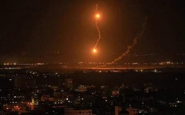 İsrail'den topçu ateşi