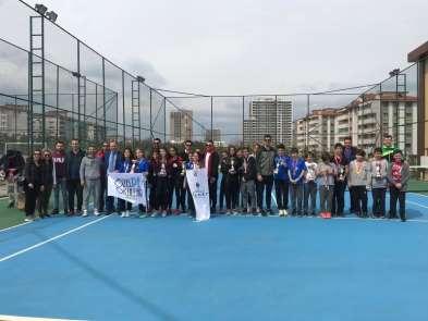 Denizli'de tenisin yıldızları belli oldu
