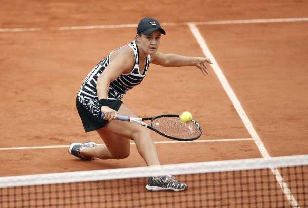 Fransa Açık'ta kadınlar finalin adı: Barty - Vondrousova