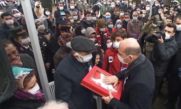 Bakan Soylu, Bursada şehit cenazesine katıldı