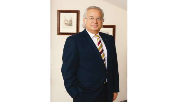 Galatasarayda Eşref Hamamcıoğlu başkan adaylığını açıkladı