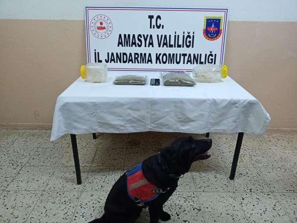 Amasyada operasyonda 1 kilogram uyuşturucu ele geçirildi
