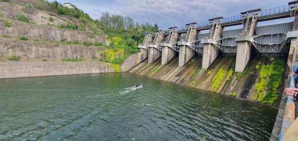 Suat Uğurlu Barajında bakım çalışması sırasında düşen işçi boğuldu