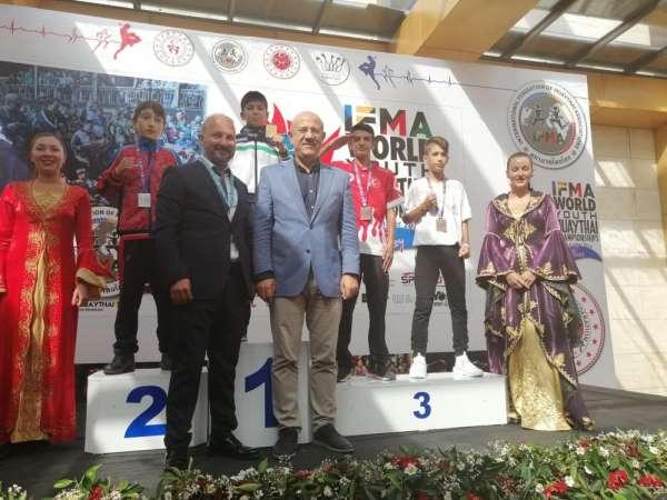 Şehzadeler'in sporcusu dünya 3.'sü oldu
