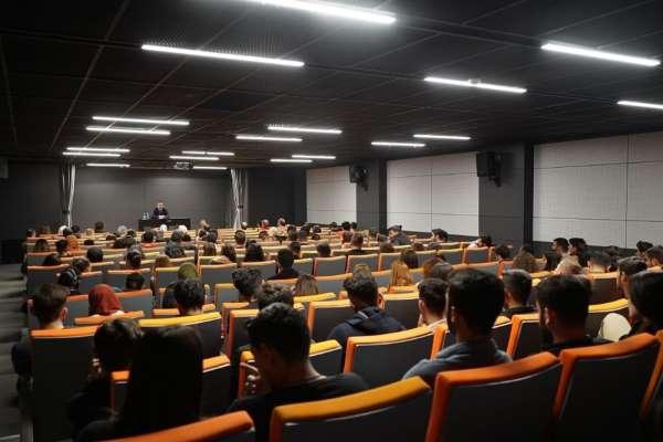 Terör uzmanı Ağar, Kapadokya Üniversitesi'nde seminer düzenledi