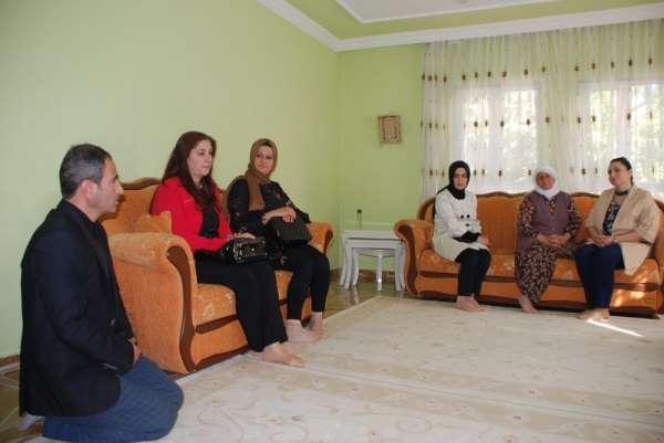 Yeşim Pekmez'den Kahta'daki şehit ailelerine ziyaret