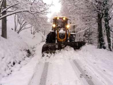 Akyazı Belediyesi tüm ekipleri ile kar mesaisinde