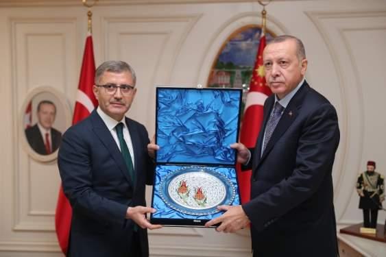Cumhurbaşkanı Erdoğan Üsküdar Belediyesini ziyaret etti