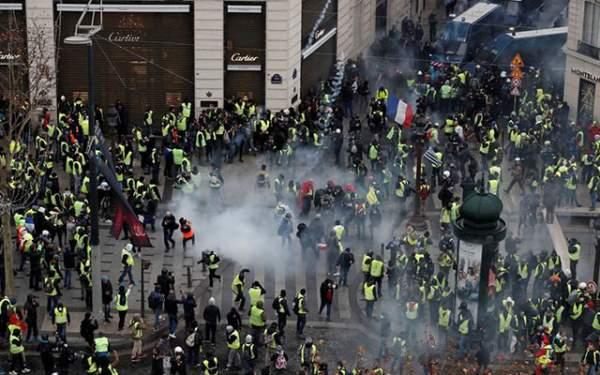 Protestolar Sürüyor Gözaltılar Var
