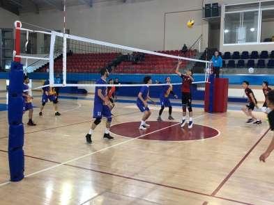 Okullar Arası Voleybol Genç A Grup Birinciliği Müsabakaları Başladı